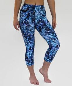 blue winter wonderland capri leggings